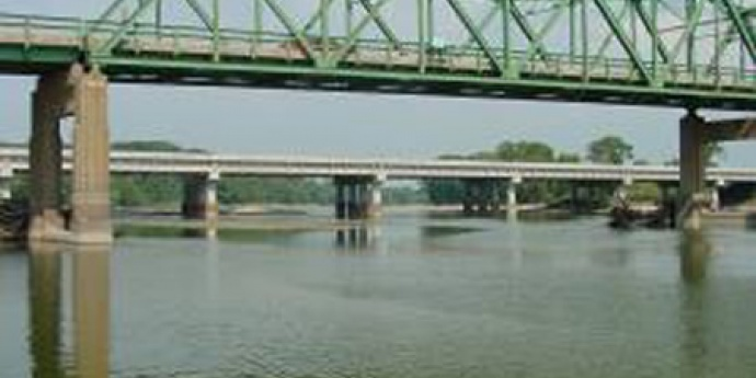 DES MOINES RIVER BRIDGE - St. Francisville