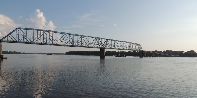 QUINCY MEMORIAL BRIDGE